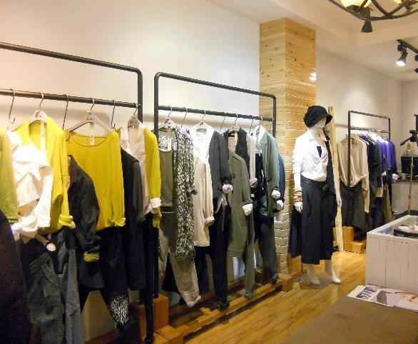 资讯生活中国服装品牌网—如何靠女装穿出好气质
